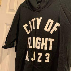 """Jordan """"City of Flight"""" Short-Sleeve Hoodie"""